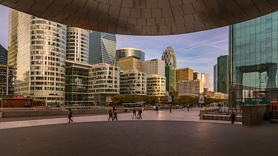 La Défense skyline, golden hour