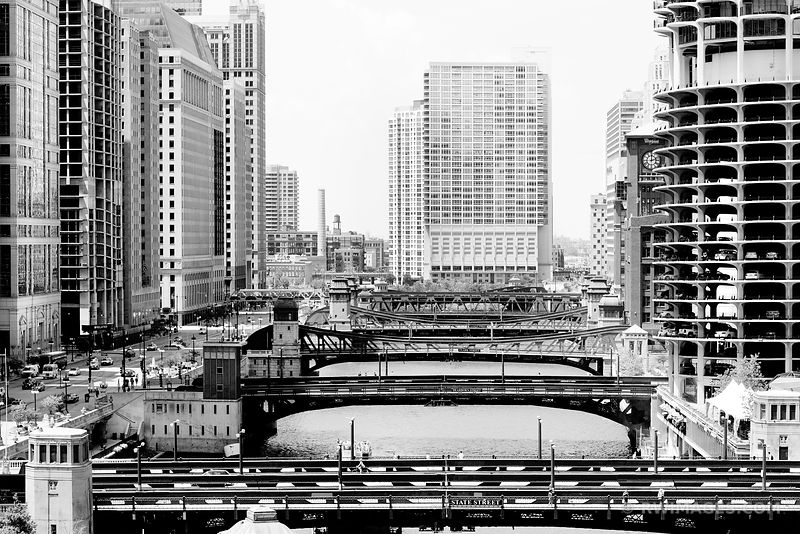 STATE STREET BRIDGE CHICAGO RIVER BLACK AND WHITE
