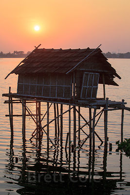 A fishing hut on stilts near Chingrihata, in the East Kolkata Wetlands, Kolkata, India.