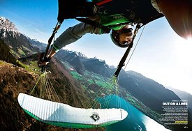The Red Bulletin - Tim Alongi - Paragliding - Annecy