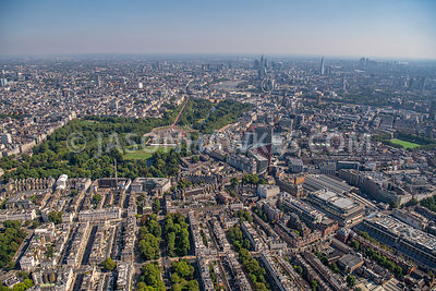 Aerial view of Buckingham Palace, Belgravia, Victoria, London. 33 Grosvenor Place, 40 Grosvenor Place, Aerial view of Bucking...