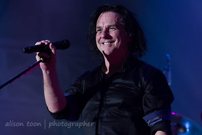 Steve Hogarth, vocals, Marillion