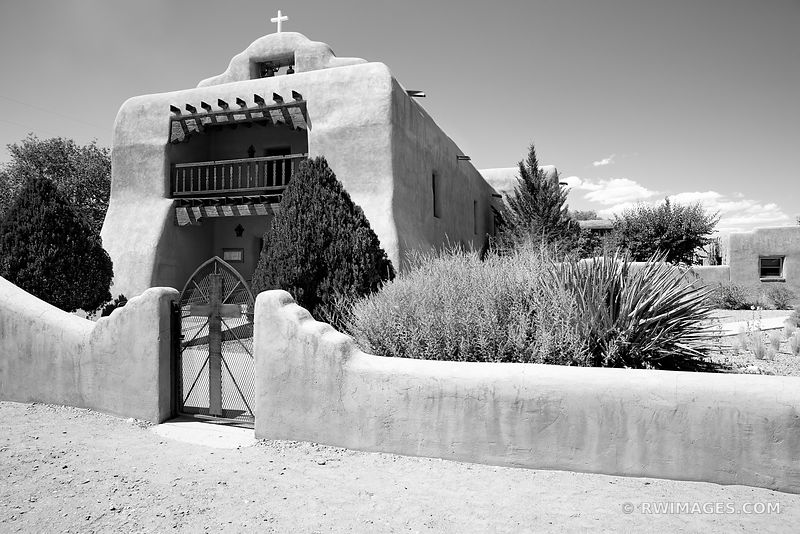CHURCH ABIQUIU NEW MEXICO NORTHERN NEW MEXICO BLACK AND WHITE