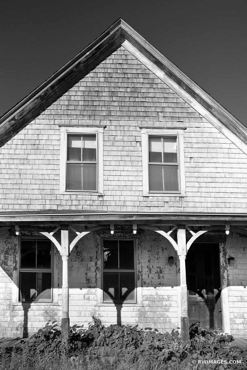 OLD HOUSE VINEYARD HAVEN MARTHA'S VINEYARD BLACK AND WHITE