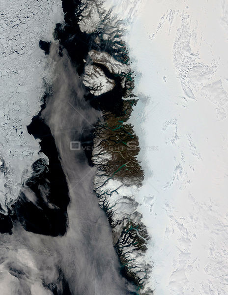 EARTH Greenland Ice Cap -- Jun 2005 -- What might at first be mistaken for a series of images showing the approach of summer ...