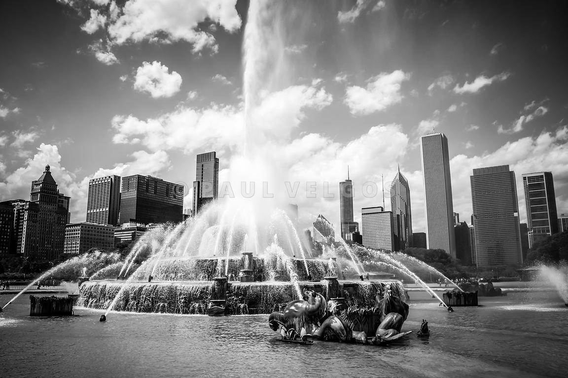 Chicago Buckingham Fountain Black and White Picture