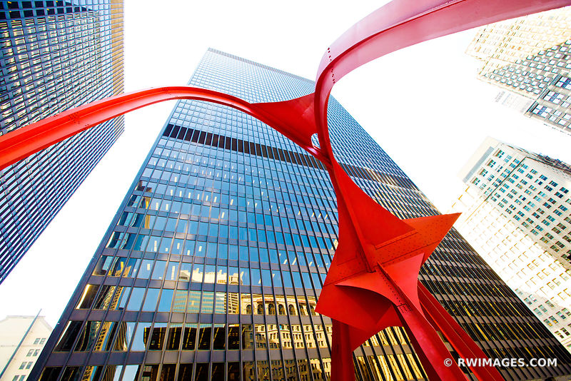 ALEXANDER CALDER RED FLAMINGO SCULPTURE CHICAGO DOWNTOWN
