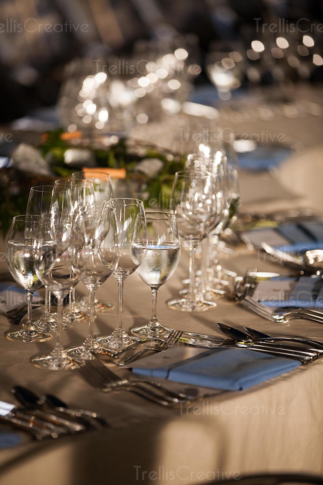 Image Elegant Table Setting At A Fancy Restaurant High Res Stock Photo Trelliscreative Com