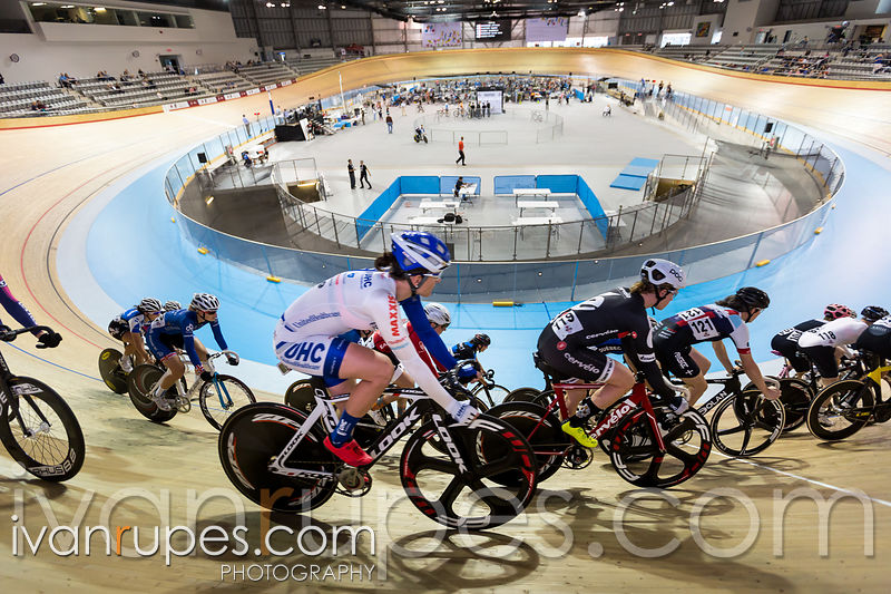 Women's omnium scratch race. 2015 Canadian Track Championships