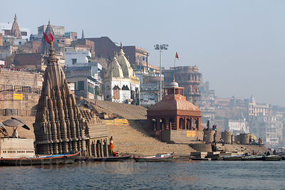 Sinking temple at Scindi Ghat, Varanasi, India.