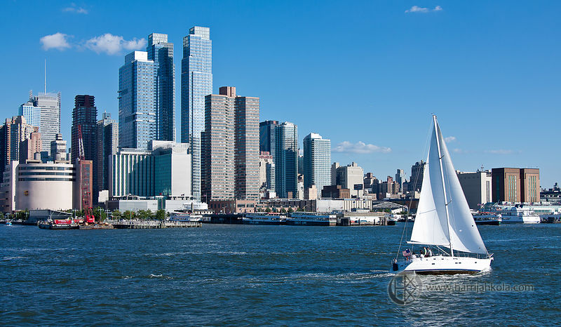 USA - New York - New York City (Sailboat Hudson River and Chelsea)