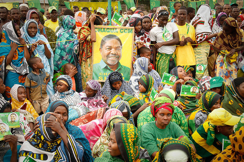 A ruling party Chama Cha Mapinduzi (CCM) pre-election meeting in the village of Bumbwini, Zanzibar, 29 September, 2010.