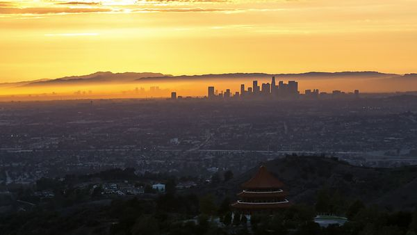 Bird's Eye : Golden Evening Upon A Silhouetted Los Angeles