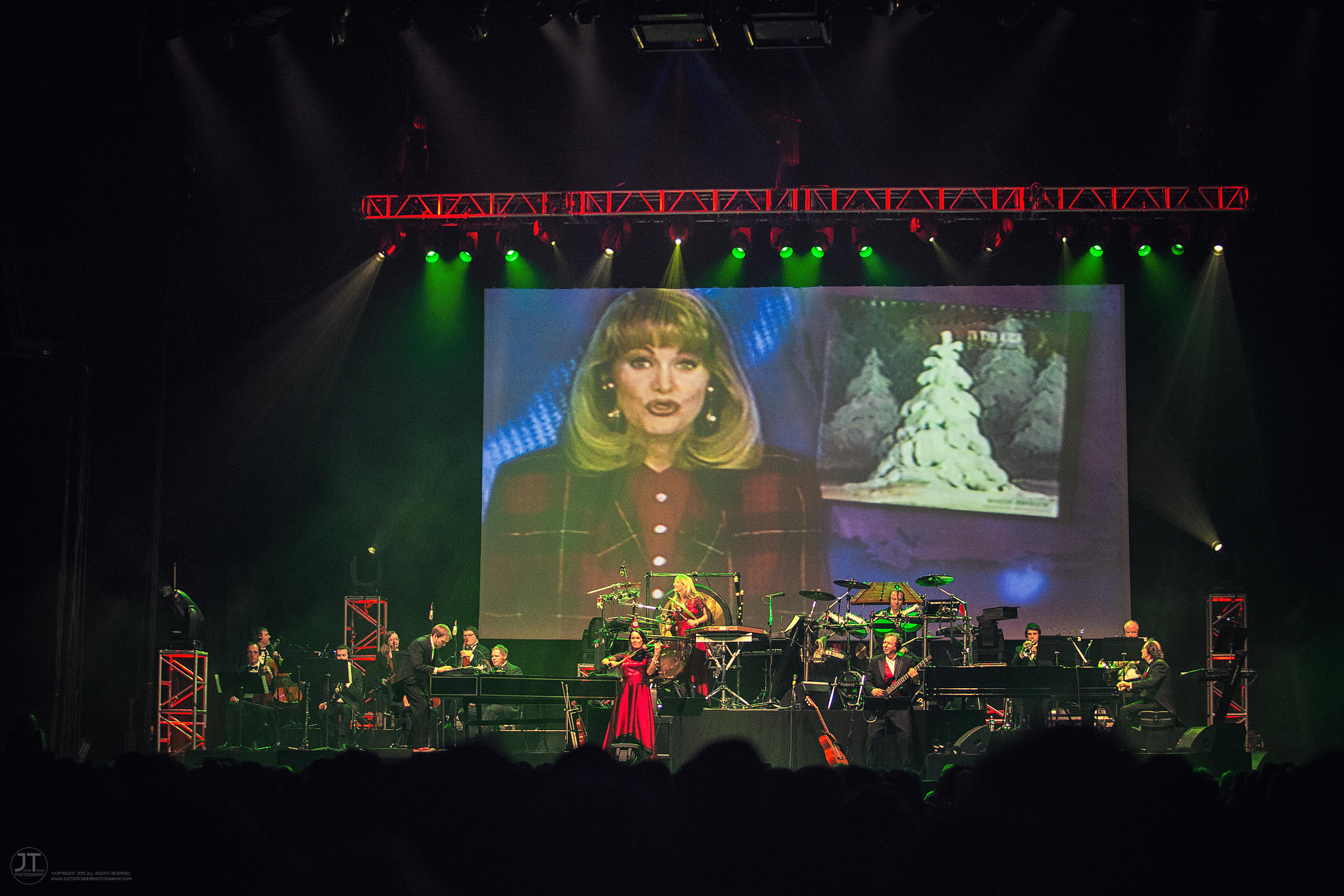 Hoopla - Manheim Steamroller, US Cellular Center, December 6, 2014
