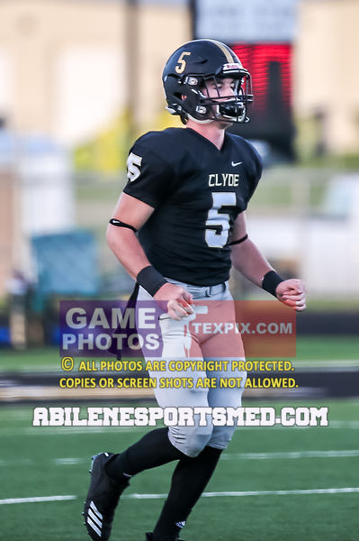 10-05-18_FB_Stamford_vs_Clyde80084