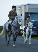 Rachel Finnegan, Paddy Finnegan - The Cottesmore Hunt at America Crossroads 17/10