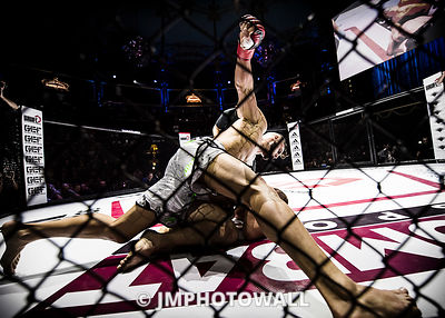 19092015CageEncounter4_DSC6711_init