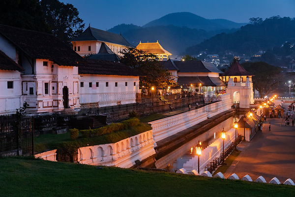 Temple of the Tooth Relic at Dusk