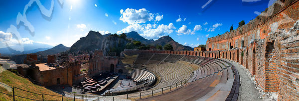 Taormina_Greek_Theater_Pano_edit