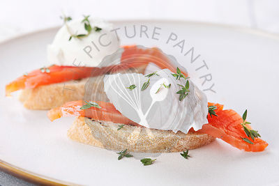 Bruschetta with poached egg and smoked salmon
