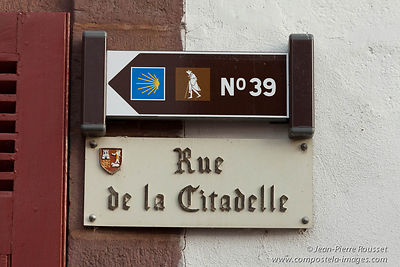 Saint-Jean-Pied-de-Port: signs
