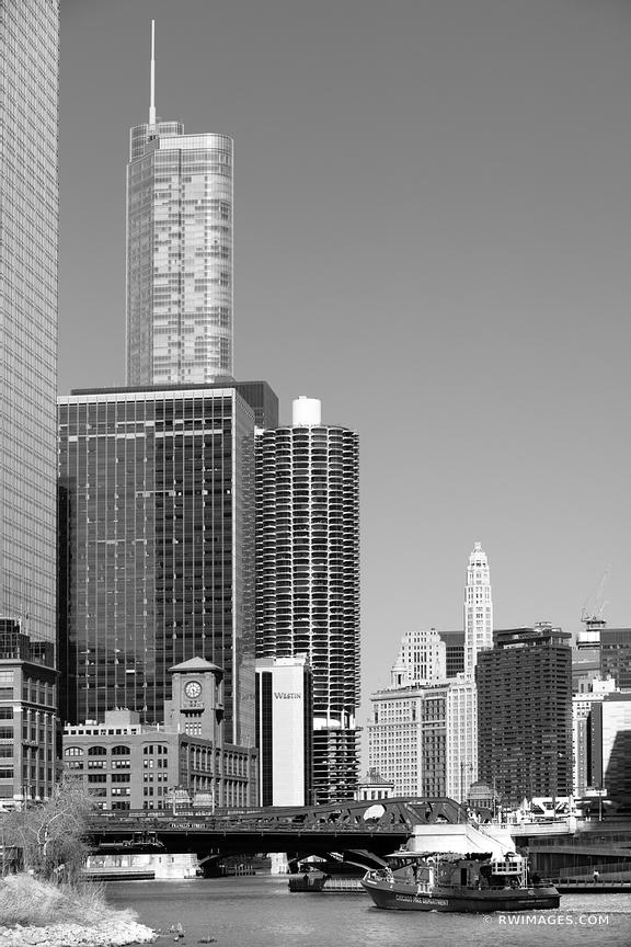 CHICAGO RIVER FRANKLIN STREET BRIDGE CHICAGO ILLINOIS BLACK AND WHITE VERTICAL