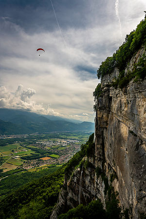 Waterfall and paragliding at St Hilaire du Touvet - France
