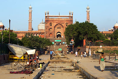 "A ""skid row"" area near Jama Masjid mosque and the Car Parts Bazaar, Delhi, India. Mosques and Hindu temples in India sometime..."