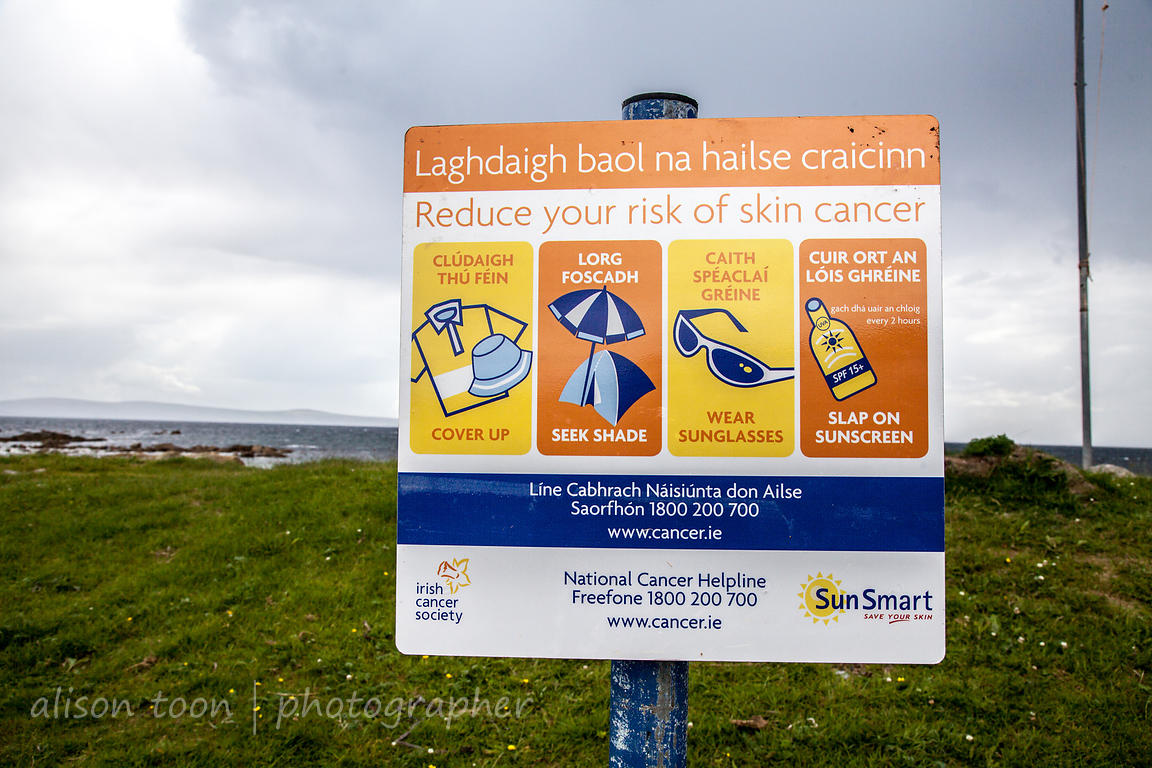 Bilingual sign at the beach, Connemara
