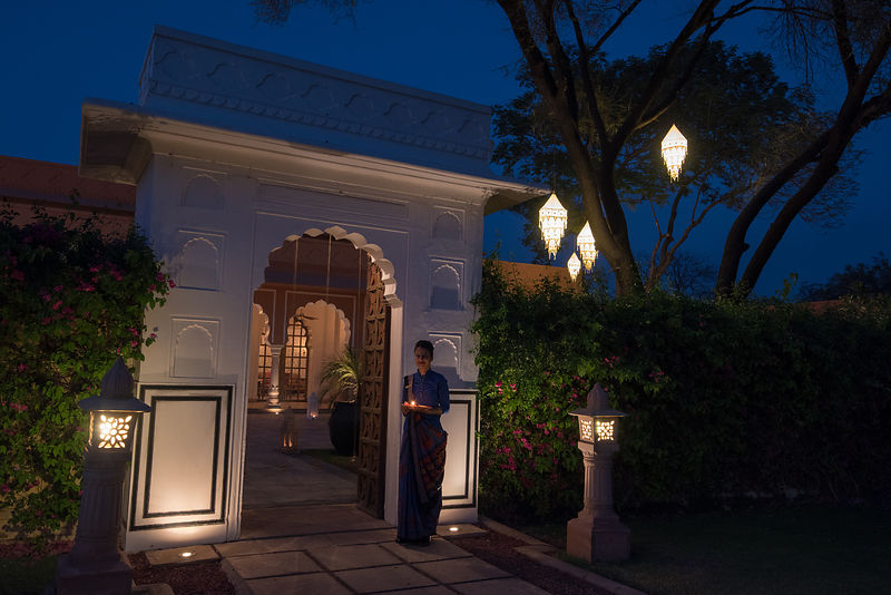 Raj_Mahal_Restaurant_-_Entrance_-_The_Oberoi_Rajvilas_Jaipur._Picture_credit_Mr._Abhishek_Hajela_v1_current
