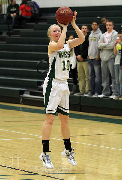 Iowa City West High vs Cedar Falls Girls Basketball