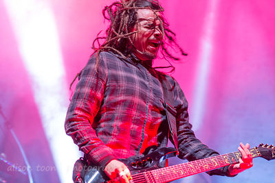 "James ""Munky"" Shaffer, guitar, Korn"