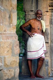 India - Swamimalai - Portrait of an elderly priest at the Murugan temple