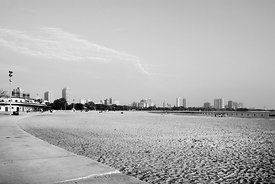 NORTH AVENUE BEACH CHICAGO BLACK AND WHITE