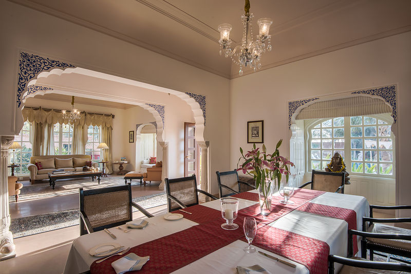 Kohinoor_Villa_-_Living_and_Dining_Room_-_The_Oberoi_Rajvilas_Jaipur._Picture_credit_Mr._Abhishek_Hajela_v1_current