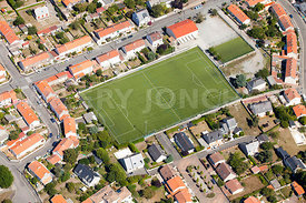 photo: terrain de foot en ville