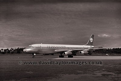 The best looking 'big jet' | KLM DC-8 PH-DCG | Singapore Paya Lebar October 1962