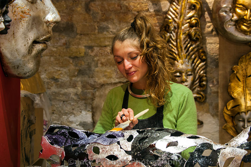 Painting Carneval masks in Venice