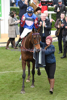 Paisley_Park_winners_enclosure_14032019-4