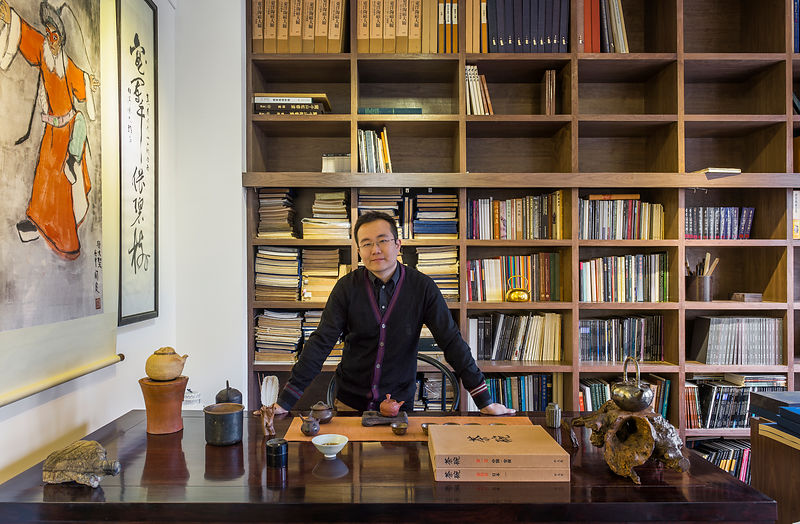 Collector and tea connoisseur Wu Yisheng