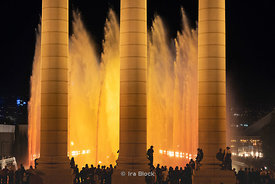 A night view of the light and water show at the The Magic Fountain of Montjuïc (Font màgica de Montjuïc) in Barcelona, Spain.