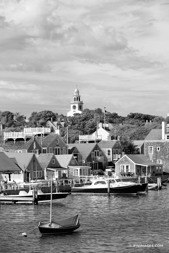 NANTUCKET BLACK AND WHITE VERTICAL
