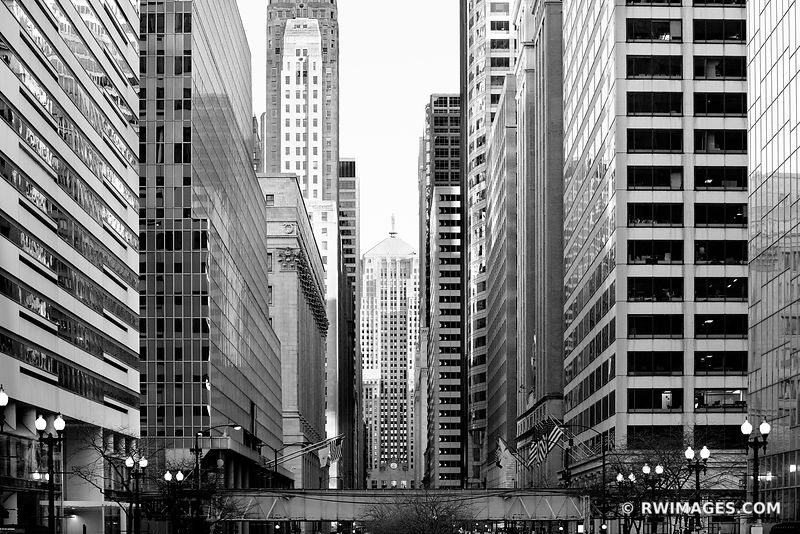 LA SALLE STREET URBAN CANYON CHICAGO BOARD OF TRADE BUILDING CHICAGO ILLINOIS BLACK AND WHITE