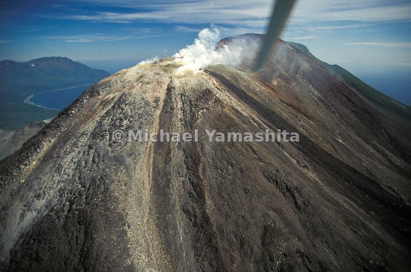 Above politics (and below the photographer's helicopter) Kudryavyy volcano sends out signals proclaiming true wilderness 3,23...
