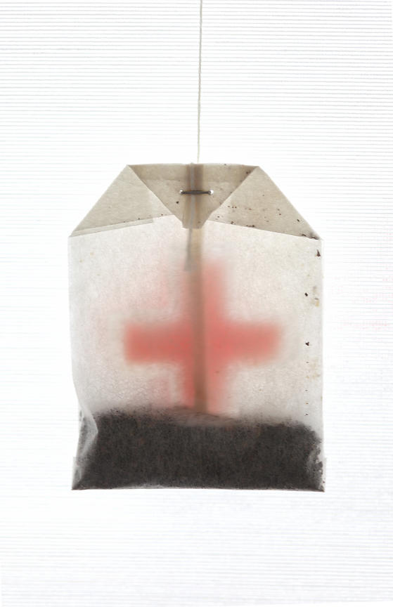 Tea bag with Red Cross symbol