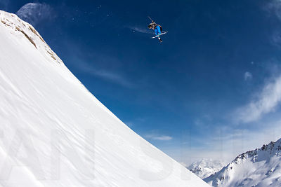 Flo Bastien backcountry 360 Tail grab