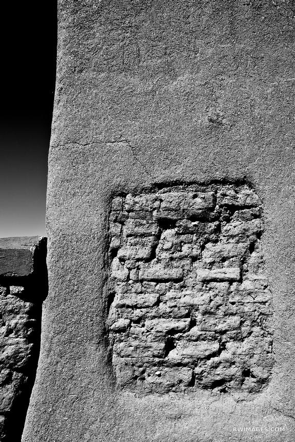 SANTA FE NEW MEXICO BLACK AND WHITE