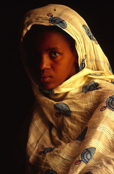 Mauritania - Chinguetti - A sad woman in a house in Chinguetti