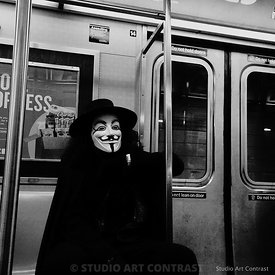 New_york_V_masque_metro_subway_BNW