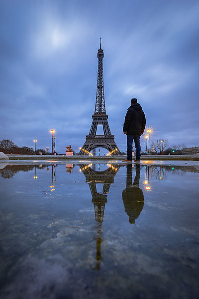 Morning Eifel tower reflection